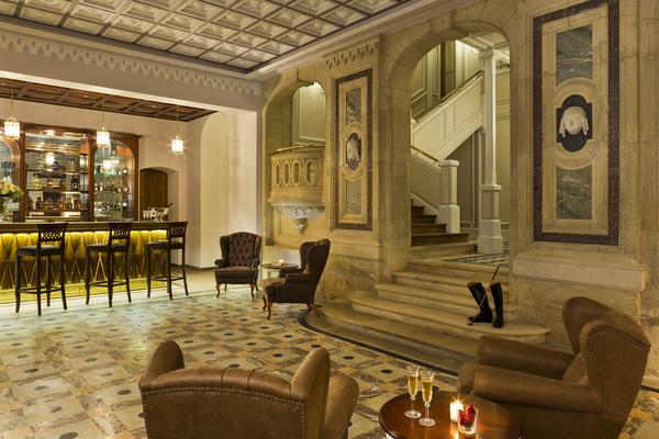 Grand Salon with bar 1