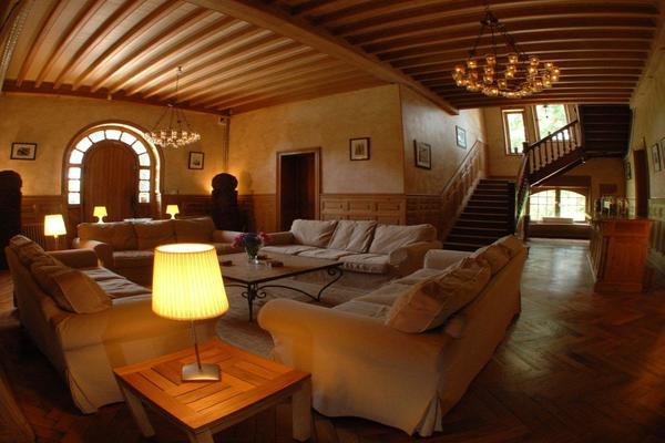 Lounge and Hall V2