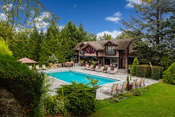 Chateau de Codignat - Swimming pool