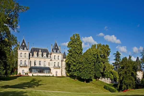 5 STAR FAIRY TALE CHATEAU