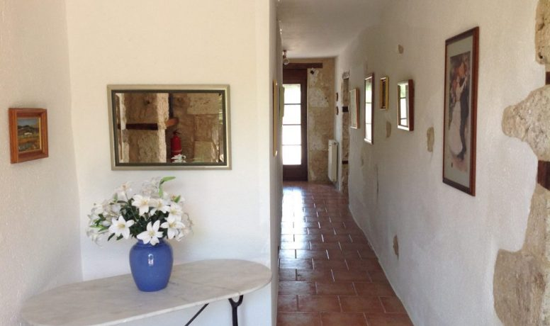 14-front-entrance-hall1-4099783970